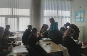 Бесіда з випускниками Чугуївської гімназії №5